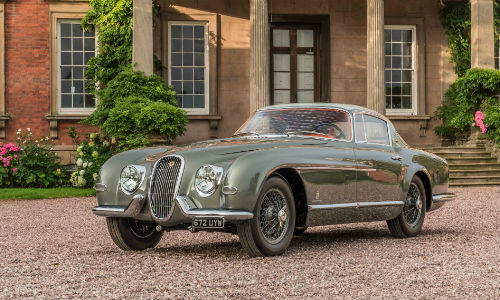 The 1954 Jaguar XK120 SE was unveiled at the Pebble Beach Concours d'Elegance in California.